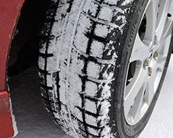 Yokohama iceGUARD iG52c Winter Tire Review by Mike Schlee AutoGuide.com