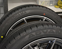Yokohama ADVAN Sport V105 Put to the Test by  Mathieu St-Pierre -  Tire Car Guide